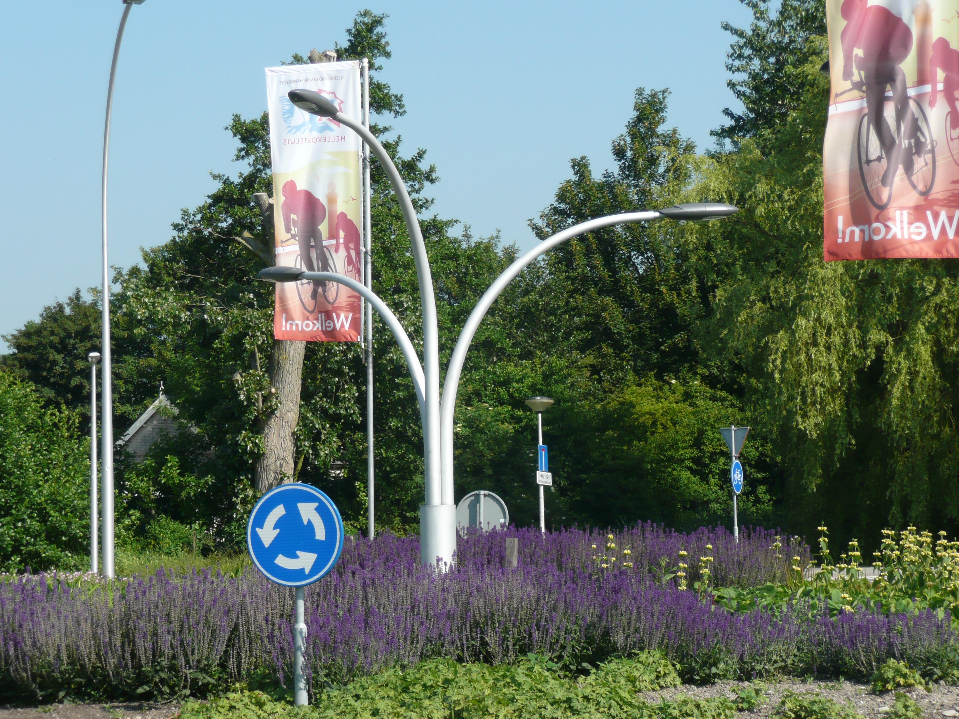 Aluminium lichtmast kunstwerk - Hellevoetssluis - Nederland